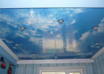 Натяжной потолок облако