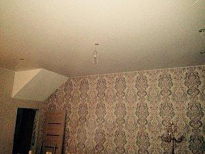 Грамотный и качественный уход за натяжными потолками