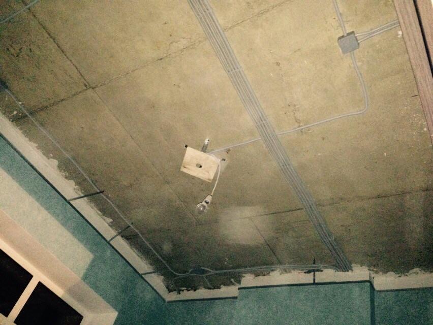 До монтажа натяжных потолков