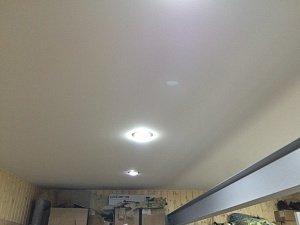 Натяжные потолки в гараж