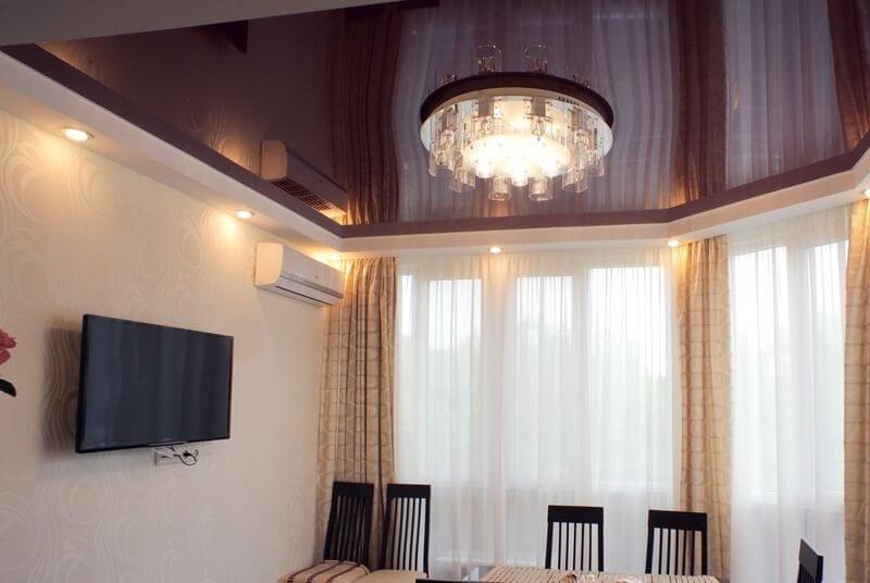 натяжные потолки шоколадного цвета фото связи