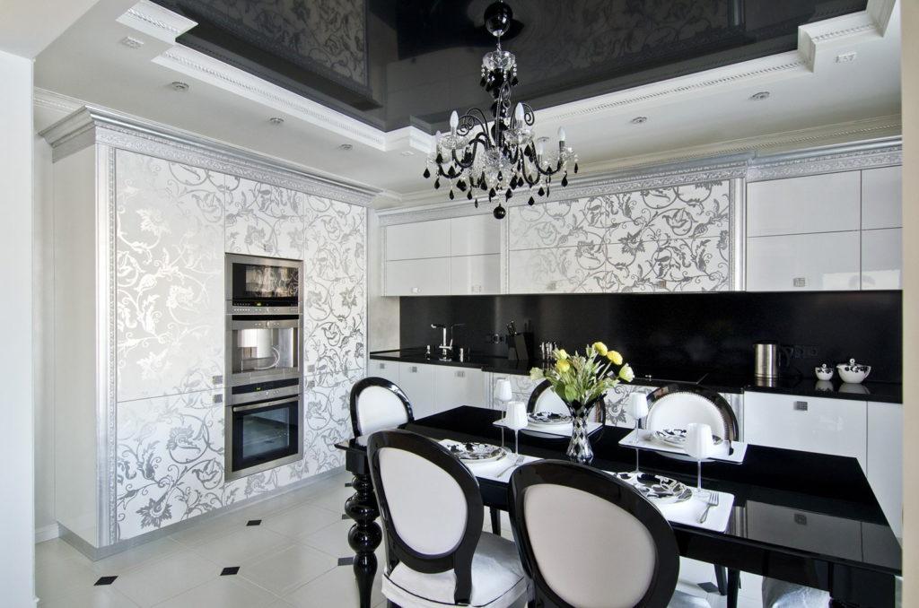 Черный натяжной потолок на кухню